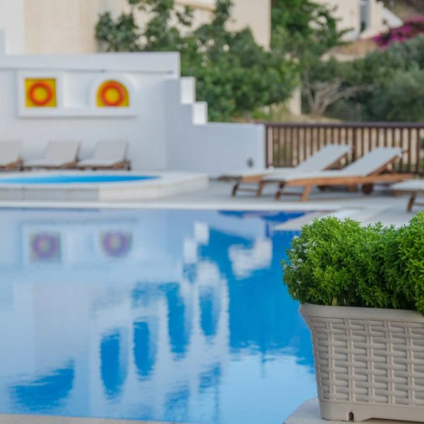 photo-gallery-ios-golden-sun-hotel-accommodation